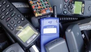 Ausgediente Mobiltelefone landen immer häufiger auf dem Müll