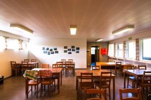 Gemeinschaftszimmer auf dem Campingplatz in Heimaey
