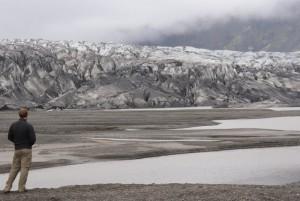 Der Gletscher, so groß wie die Niederlande, sorgt für eine sehr kühle Witterung