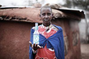 """Weltweit 783 Millionen Menschen haben keinen Zugang zu Trinkwasser. """"Viva con Agua"""" will das ändern (Foto: Mário Macilau)"""
